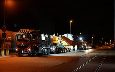 Heavy transport on the road from Auhafen in Muttenz to the substation in Laufenburg
